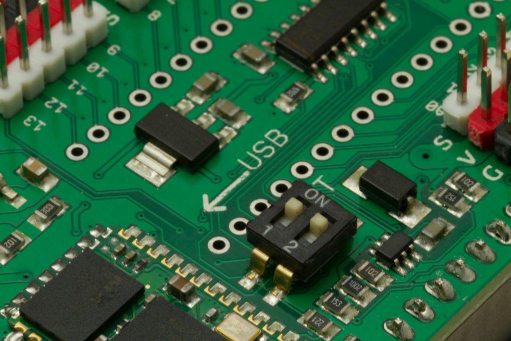 Los interruptores en modo ON es para programarlo